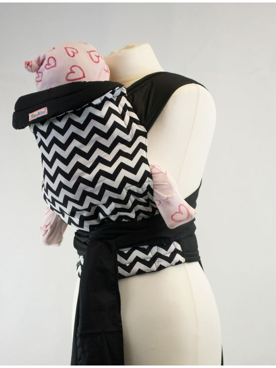 Palm & Pond Mei Tai baby carrier - Black and White Zigzag